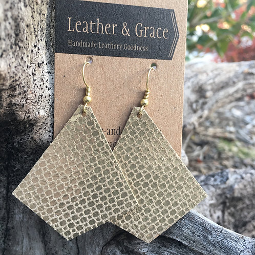 Golden Dotted Pyramids