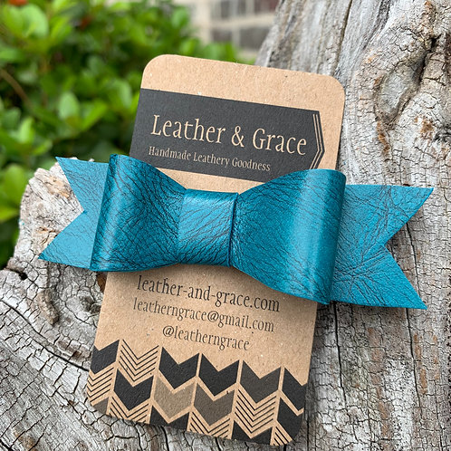 Mini Bow Clip In Teal Crackle
