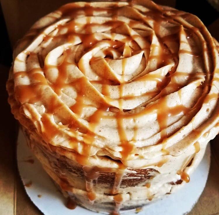 Cinnamon, Caramel & Apple Naked Cake