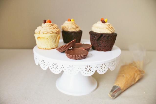 Peanut Butter Vanilla & Peanut Butter Fudge Cupcakes