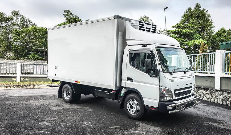 Fuso Refrigerated lorry.jpg