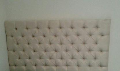 Cabeceira em tapeçaria feita sob medida, modelo capitonê em camurça ultrasued