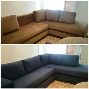 Antes e depois da capa de sofá executada sob medida, em sarja pelitizada (parece uma camurça, toque suave), já pré-encolhida, não modifica após a lavagem