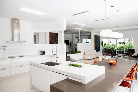 Cucina luminosa e moderna