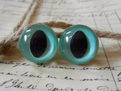 Aqua Pearl Cat Eyes (5 pairs)