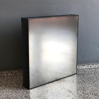 Mirror_black.jpg