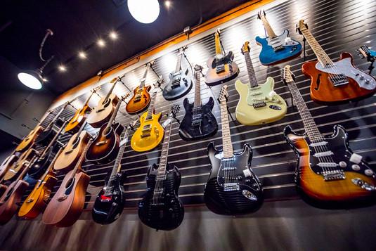 guitars.bass-6.jpg