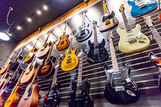 guitars.bass-4.jpg