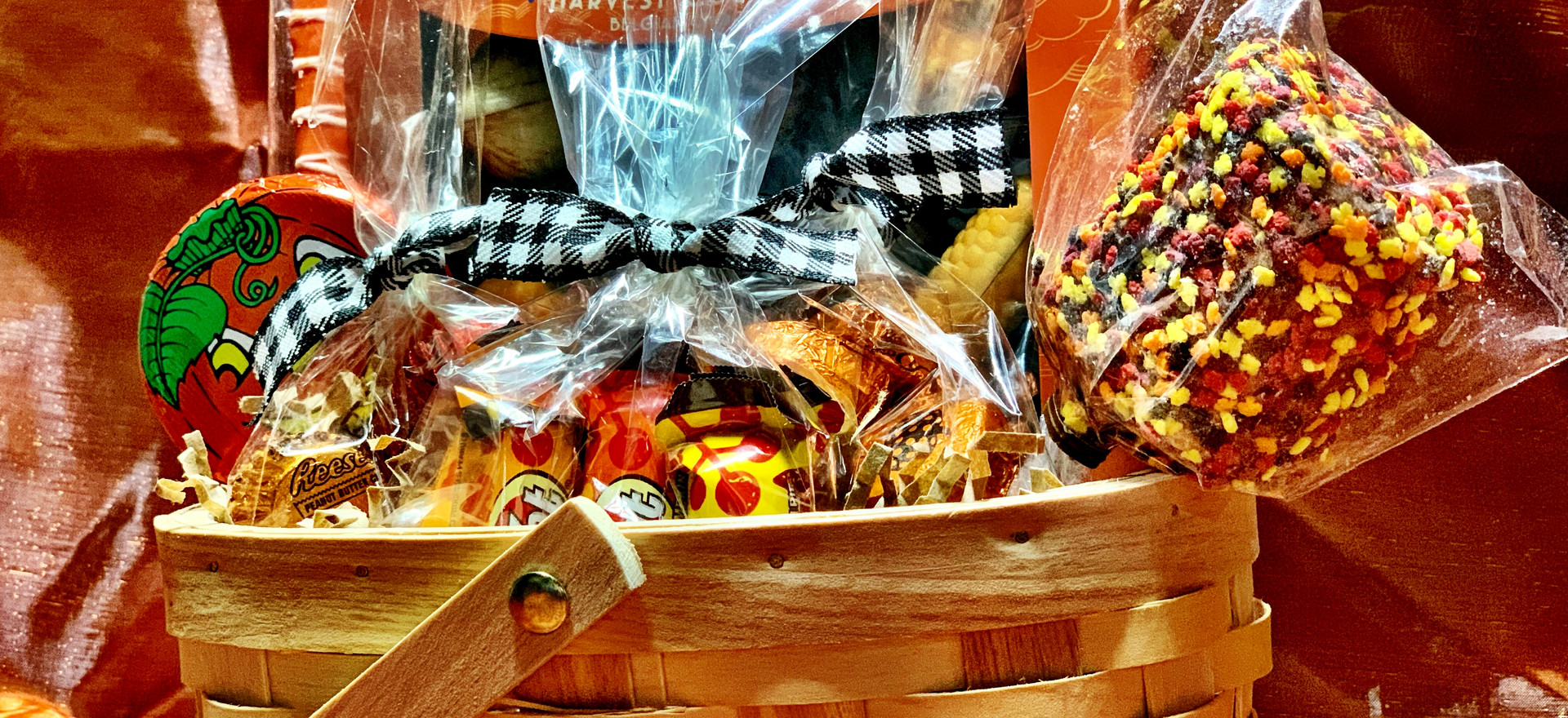Thanksgiving Cansy Basket | $50