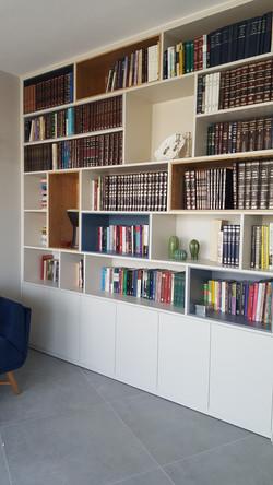 ספרייה המאפשרת איחסון מקסימלי לספרים