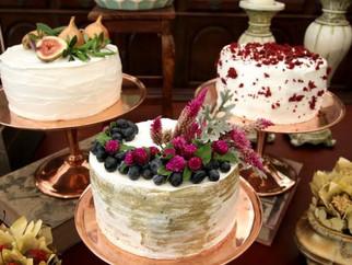 Trio de bolos ou bolos múltiplos: deliciosa tendência para o seu casamento em 2017