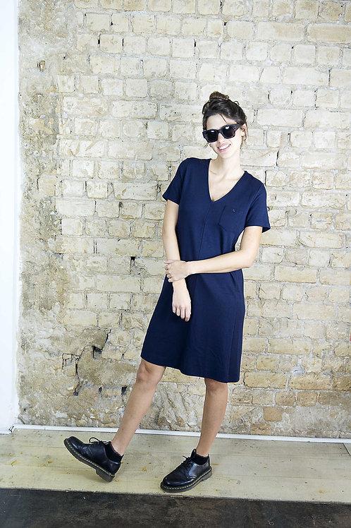 שמלה וי קלאסית כחולה