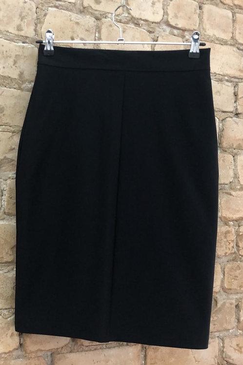חצאית קצרה צרה