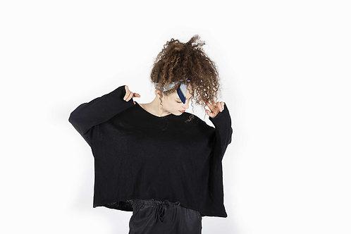 חולצת סריג וי וי שחורה