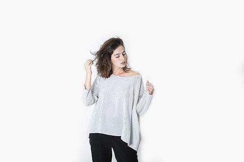 חולצת פסים חתך בד