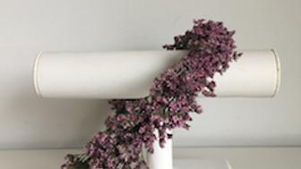 Bloemenkroon Lucia met zachte paarse bloemetjes