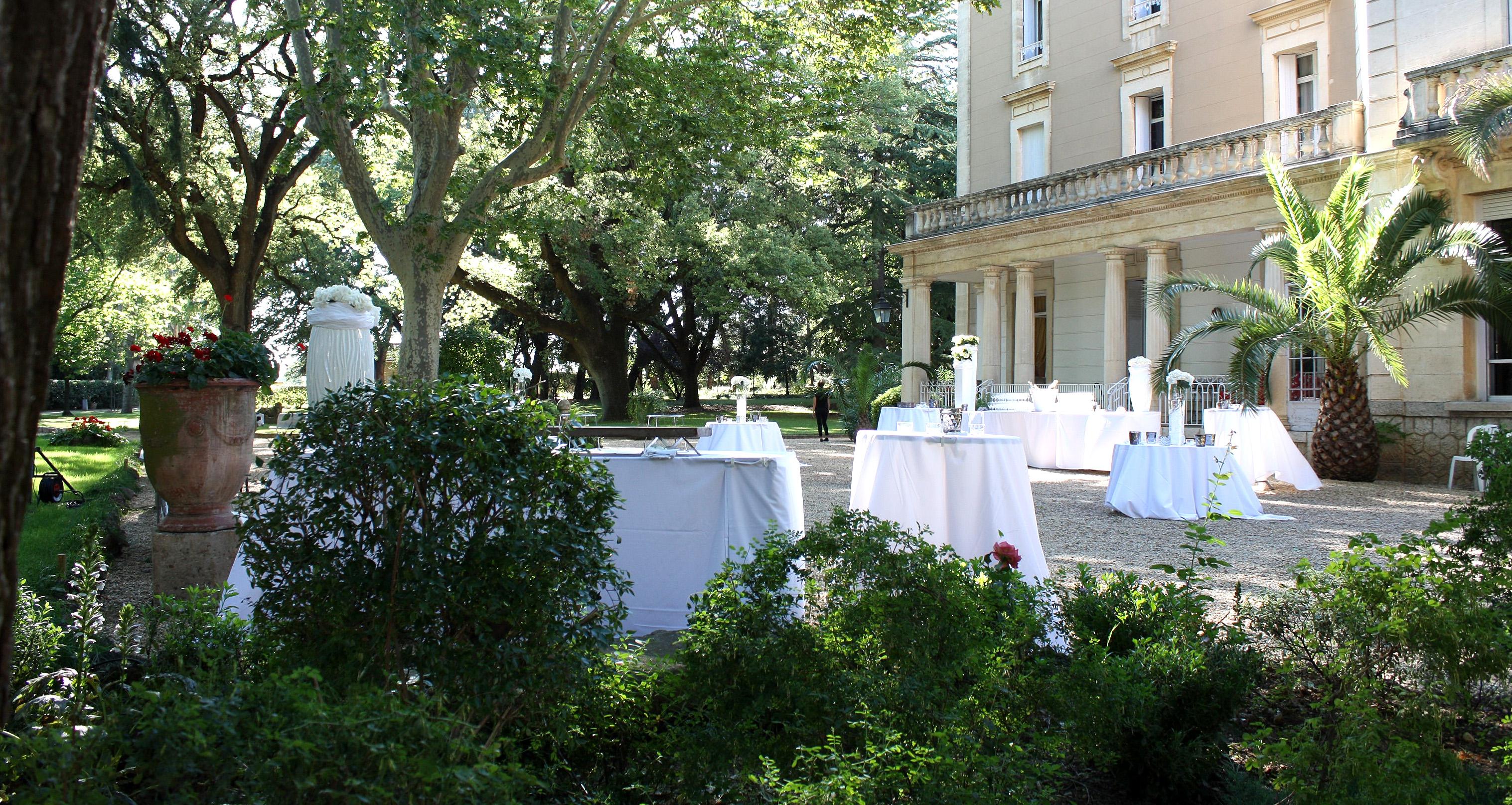 Buffet sur la terrasse