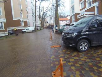 Самовільне захоплення комунальної території під парковку