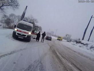 Будьте обережні на дорогах – снігопад і ожеледиця в Ірпені!