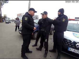 Порушника громадського порядку доправили до поліцейського відділку
