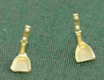 LBS-36D&RG tender steps ca 1880, pair