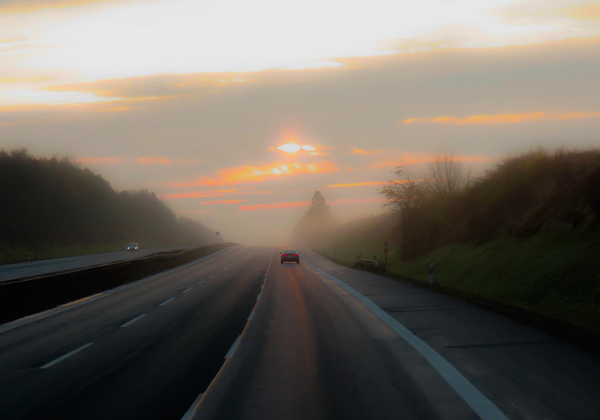 traffic-2906244_1920