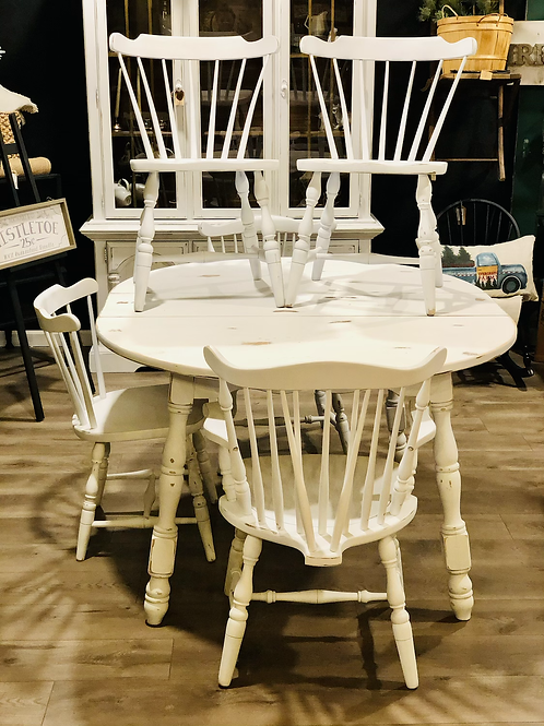 White distressed Rockport maple table and 6 chairs set