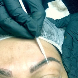 Can you tell the difference between the blades hair and natural hair___ #cachébeautybar #3deyebrows