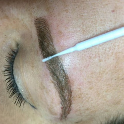 #tbt To Andrea's #microblading sesh 💋#cachébeautybar #loveofmylife #microbladingbeforeandafter #mic