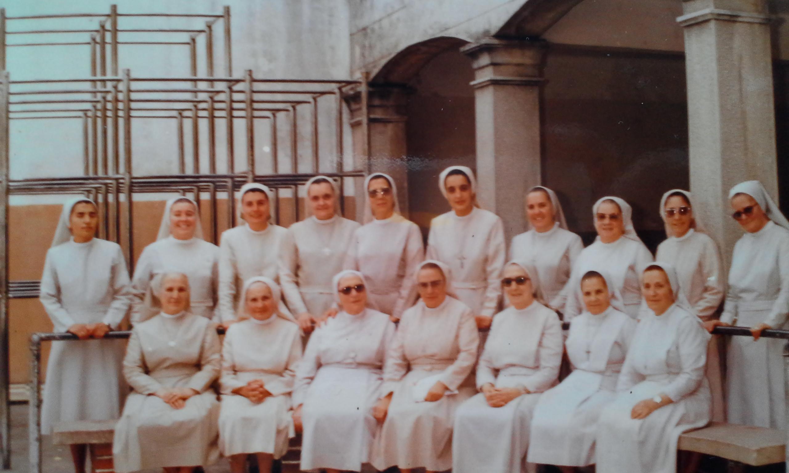 Comunidad hermanas_1985