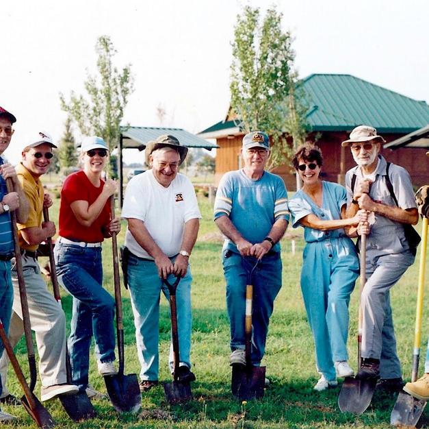 The Original Grin and Grow crew