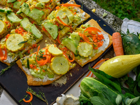 Under the Apron Strings: Cool Veggie Flatbread for Hot Summer Days