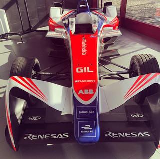 Un auto del famoso Team Mahindra de la Formula E