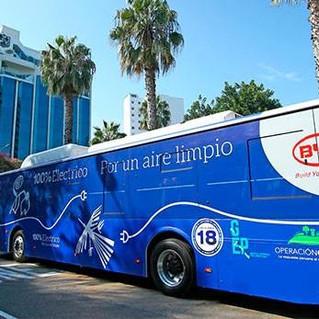Vista de la presentación del 1er bus eléctrico que llegó al Perú, junto con el operador Grupo Express del Perú