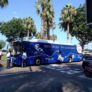 En el 2017 se presentó el primer  bus eléctrico con la Ministra de Medio Ambiente y el entonces Alcalde de Miraflores , Jorge Muñoz.