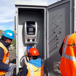 Cargador en AC de 80Kw para bus eléctrico, instalado a 3,998 msnm.