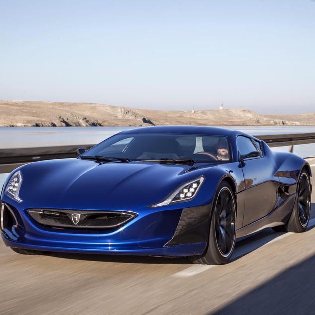 El auto más rápido del mundo es eléctrico y se llama Rimac Automobili , modelo Concept One que desarrolla de 0-100Kms/h en 1.8s Este auto es fabricado en Croacia (www.rimac-automobili.com)