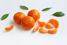 mandarin-orange-white-background_51524-5