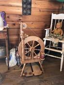 Heritage Cabin spinning wheel.JPG