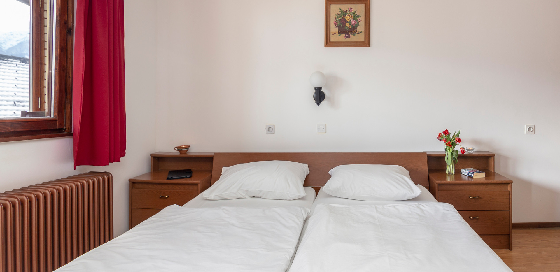bedroom_1630.jpg