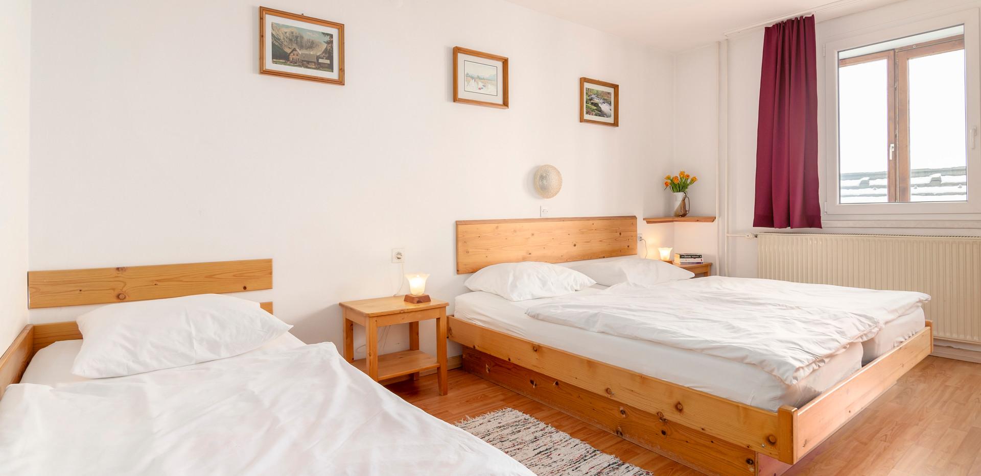 C-201-bedroom_1318.jpg