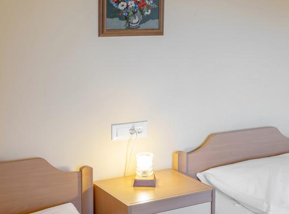 D-PL-bedroom_1981.jpg