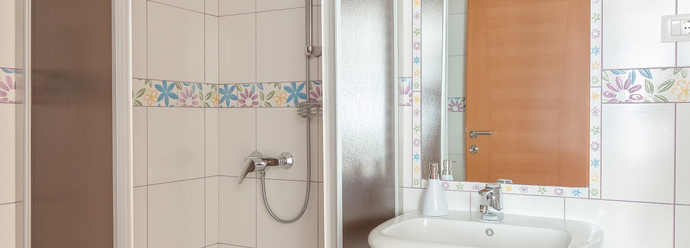 E-ENC-bathroom_2027.jpg