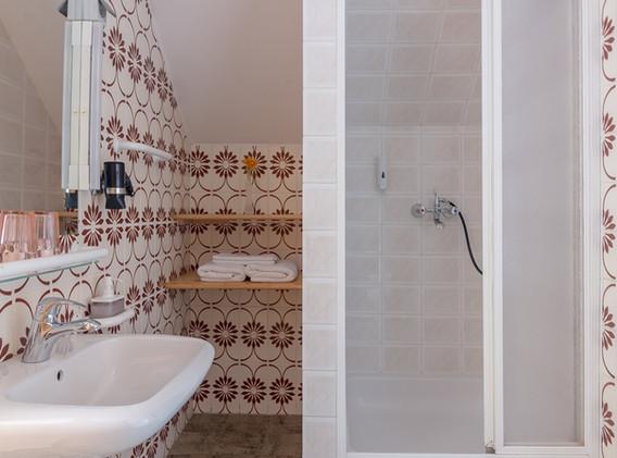 Apartment-studio. Shower cabine.