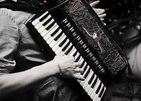 426x304-accordion-1855794_640.jpg