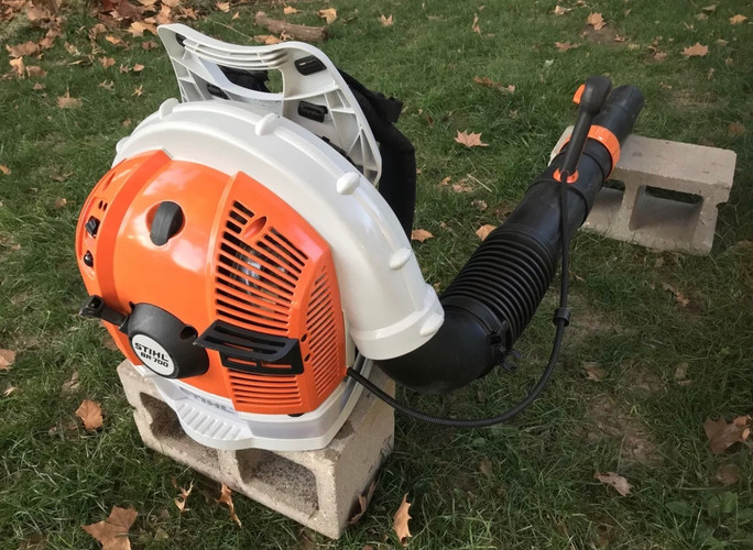 STIHL BR700 BACKPACK BLOWER