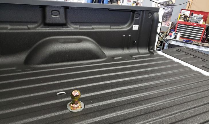 Xtreme coatings Spray on bed liner and B&W gooseneck hitch