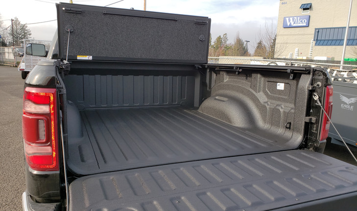 Xtreme Coatings Bed liner and Undercover UltraFlex tonneau cover