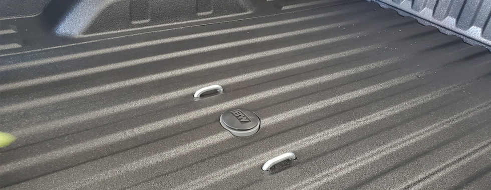 Xtreme Coatings Spray on bed liner and B&W gooseneck hitch install