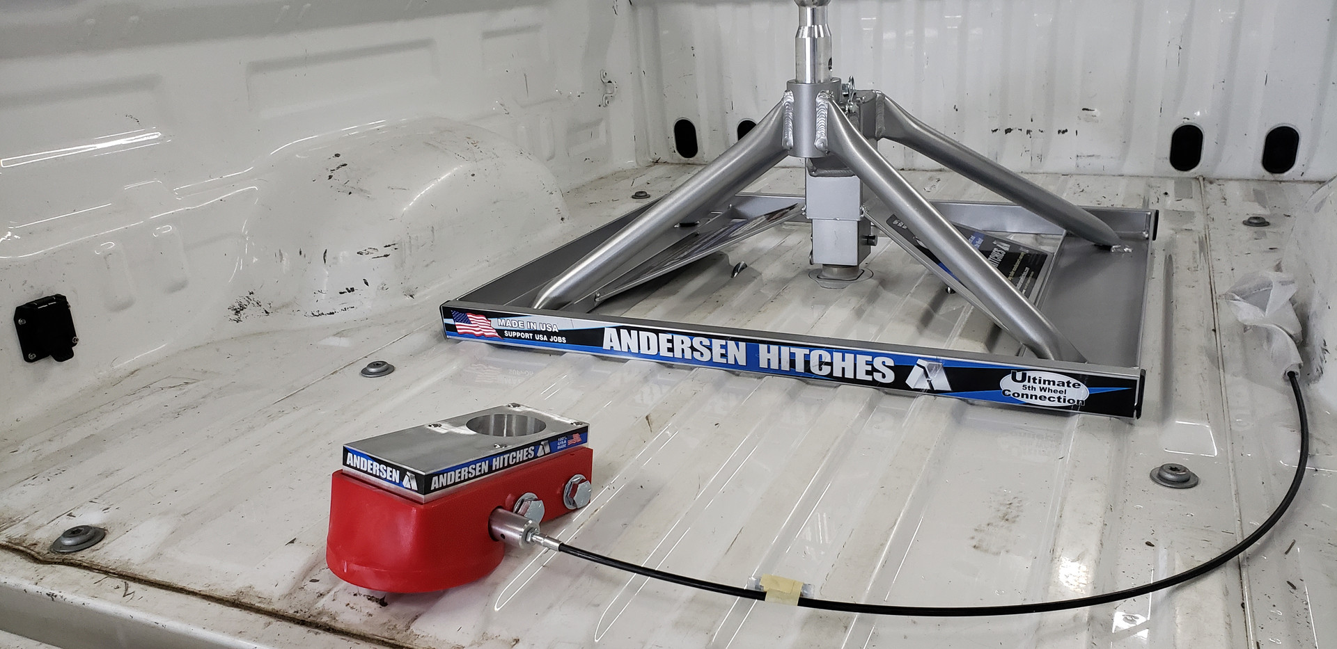 Andersen Hitches Fifthe Htich and B&W Gooseneck hitch